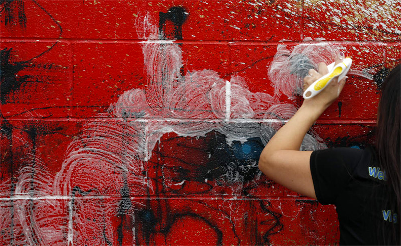 Tagger-vandalizes-public-art-800